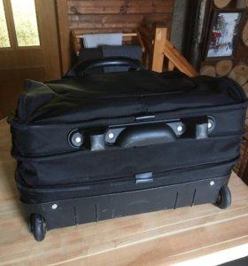 Сумка - чемодан с ручкой на колесах