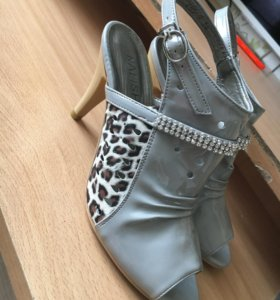 Женский новые туфли