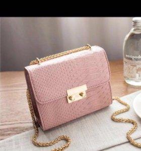 Новая сумочка очень модная