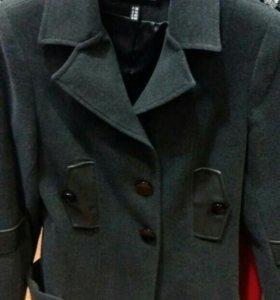 Драповый пиджак в хорошем состоянии