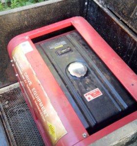 Генератор бензин.DDE DPG7551E