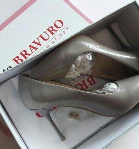 Туфли лаковые 37р-р