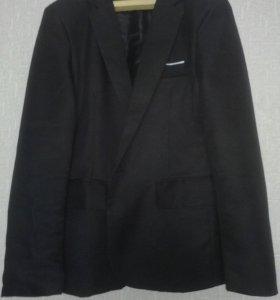 Пиджак новый 42-44 размер