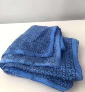 Шелковый платок DKNY