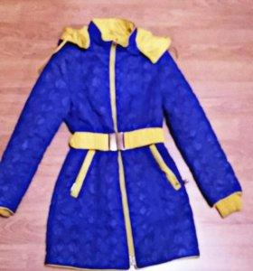 Продам курточки на девочку