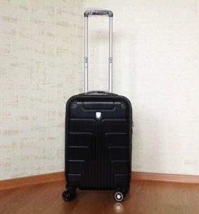 Чёрный чемодан ручная кладь