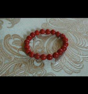Браслет красный коралл
