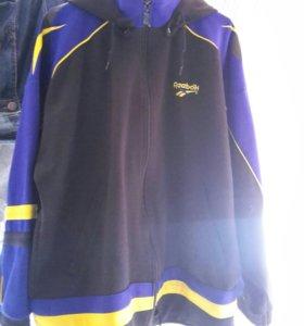 Новая Мужская спортивная куртка Reebok