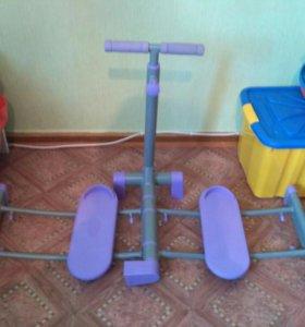 Тренажер для ног и ягодиц