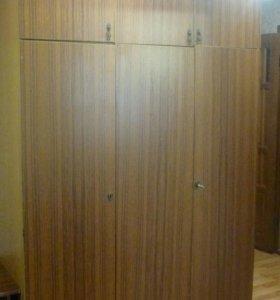 Шкаф с антресолью 3-х створчатый