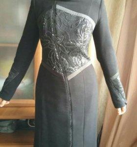 Красивое демисезонное пальто(черное)