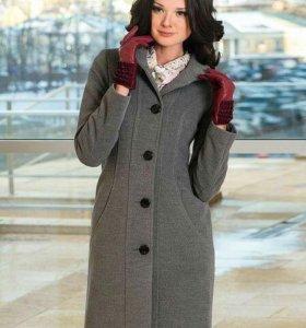 Пальто серого цвета 44-46 размер