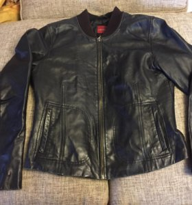 Стильная кожаная куртка PU