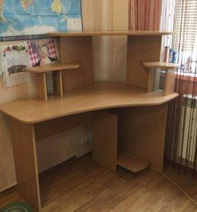 Школьный письменный стол