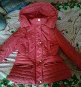 Теплая куртка на весну.