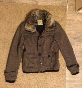 Пальто женское Pull and bear