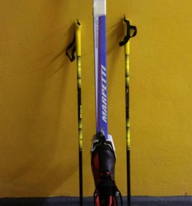 Лыжи,палки,ботинки-35р