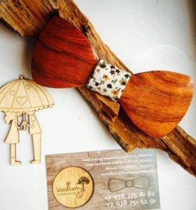 Галстук - бабочка из дерева