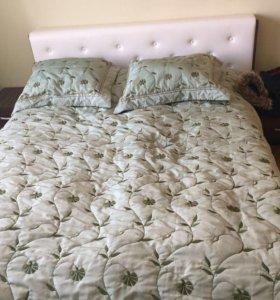Кровать с тумбочками(вниз открывается,хранить одеж