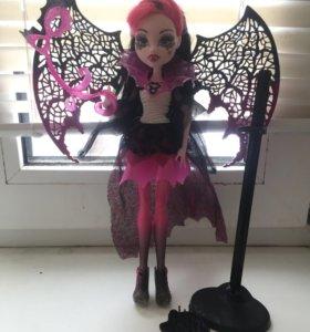 Monster High кукла Дракулаура.