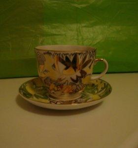 Фарфоровые кофейные чашки с блюдцами