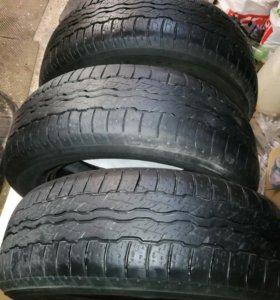 Продам Японские шины R17 225/65-3шт.