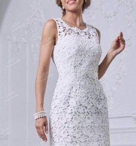 Платье новое в чехле