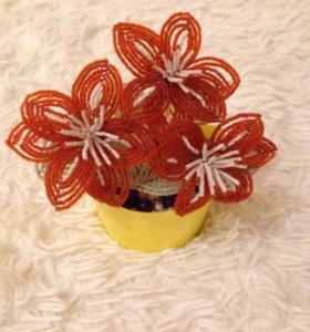 Цветы из бисера в горшочке