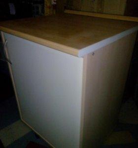 Кухонный стол-шкафчик