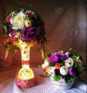 Подарочный набор цветочные кашпо и светильник.