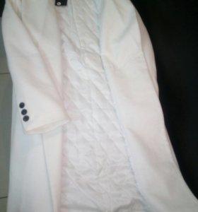 Пальто женское демисезонное.