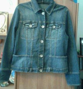 Курточка,джинс,48-50р.