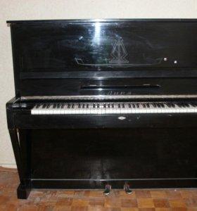 Отдам пианино 'Лира' в добрые руки