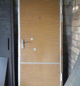Дверь бронированная б/у
