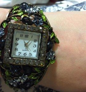 Часы женские дизайнерские