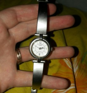 Часы женские stainless steel case back