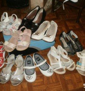 Летняя обувь на девочку.