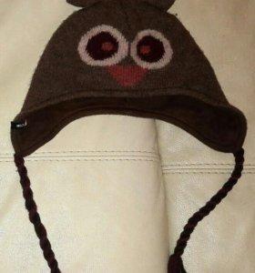 Демисезонная шапка на завязках для мальчика