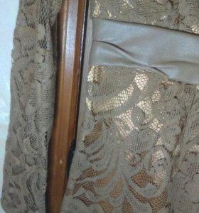 Кружевное платье со вставками 36размер