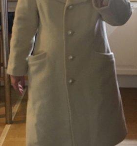 Пальто шерстяное, кремовое