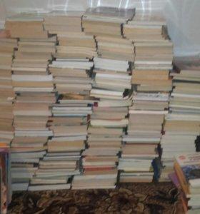 Книги 1 шт. 75 руб.; 10 шт. 500 руб.