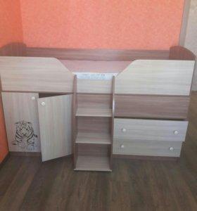 Кровать+комод+стол