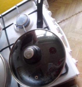 сковородку с крышкой