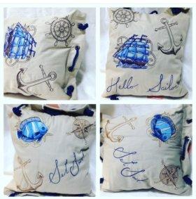 Декоративные подушки с машинной вышивкой