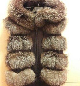 Кожанная куртка-жилетка