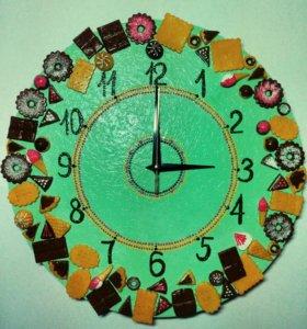 Настенные часы для кухни