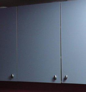 Шкафы настенные, столик журнальный