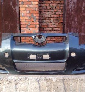 Тойота Аурис бампер передний