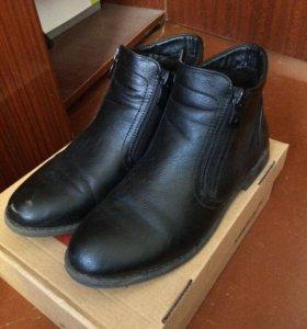 Ботинки демисезонные 39-й размер