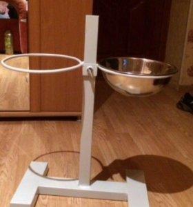 Подставка напольная с мисками для корма